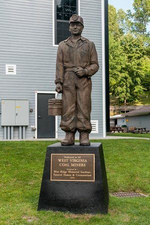 Beckley Exhibition Coal Mine and Youth Museum: Monument to WV Coal Miners