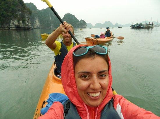 Handspan Travel: Halong Bay Kayaking