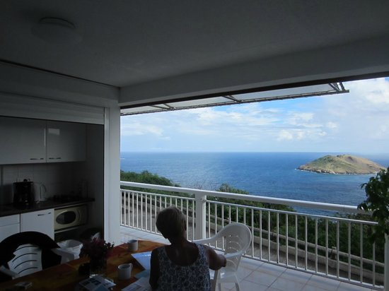 Le P'tit Morne Hotel: View from Open Kitchenette Area
