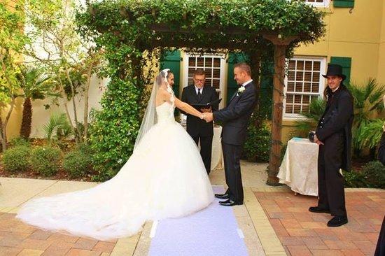 هيلتون سانت أوجوستين هيستوريك بايفرونت: Our marriage ceremony at the hotel