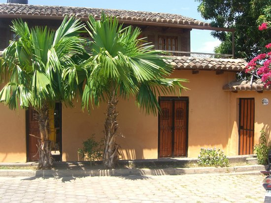 Casa Jardines: Front of House