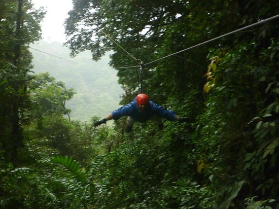 Monteverde Extremo Park: 600m Superman zipline