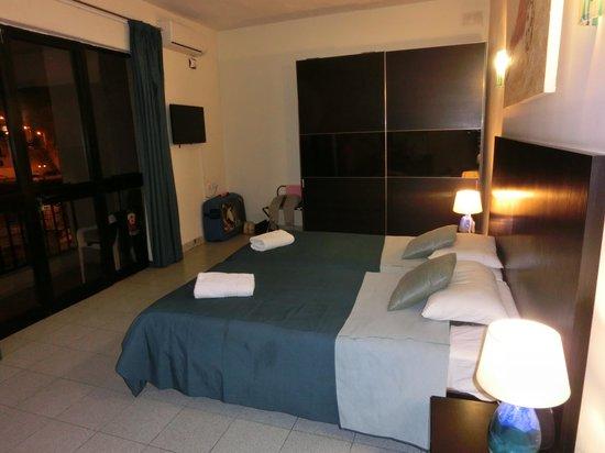 St. Julian's Bay Hotel: kamer met zeezicht op 1e etage