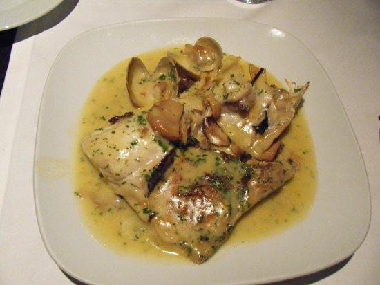 La Clara Restaurant : Merluza (Hake)