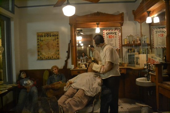 East Texas Oil Museum: barber shop