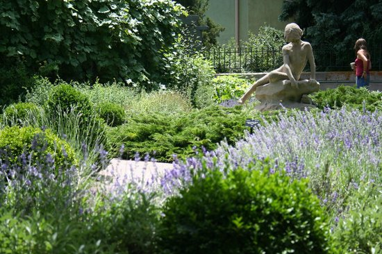 Denver Botanic Gardens: One of the ponds and statue