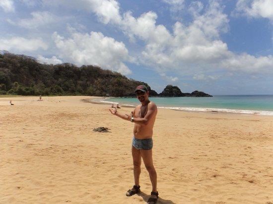 Baia do Sancho: Na praia...