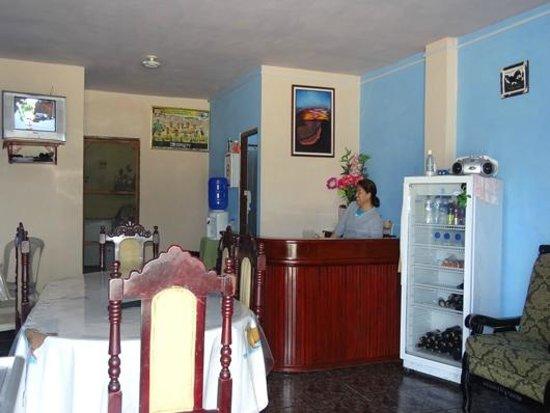 Casa Los Delfines: Living Room