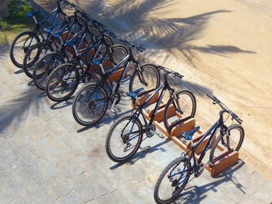 Casa Los Delfines: Bycicles stop