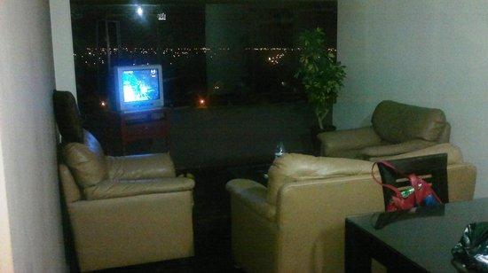 Luxor Apart Hotel: Salón