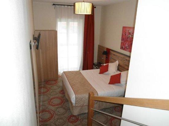 Quality Suites Lyon Confluence : Letto