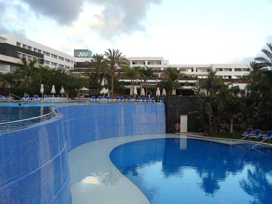 Infinity pool picture of hotel costa calero puerto calero tripadvisor - Hotel costa calero puerto calero lanzarote espana ...