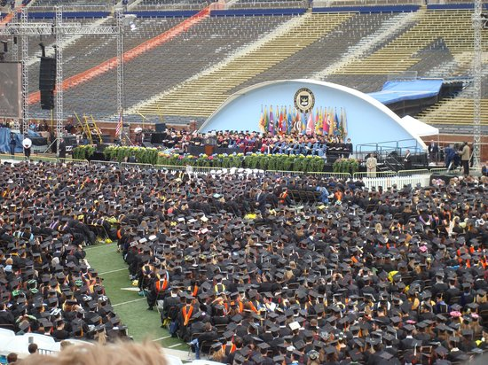 University of Michigan : Graduation in the Big House