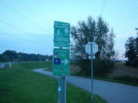 Donau Cycle Path: Uma das placas da Ciclovia do Danúbio