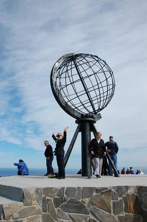 Norte da Noruega, Noruega: Globe Monument at North Cape, Norway
