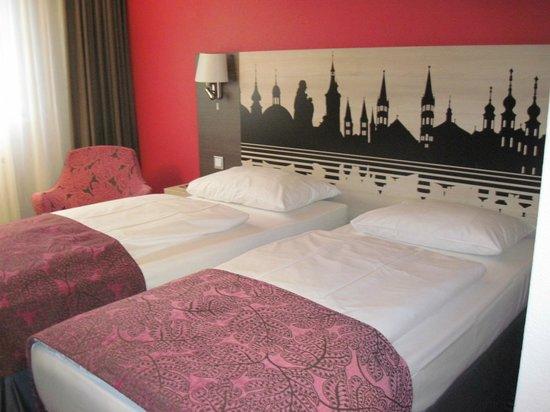 Mercure Hotel Wuerzburg am Mainufer: Zimmeransicht