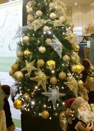Holiday Inn Andorra: Árbol de Navidad del Salón-Recepción del Hotel