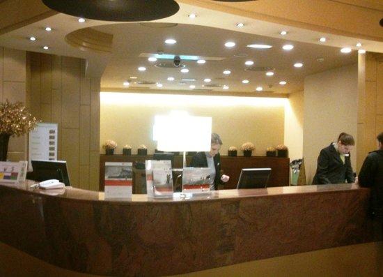 Holiday Inn Andorra: Recepción