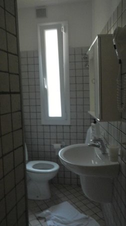 Carugiu B&B: bathroom