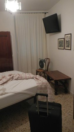Carugiu B&B: room
