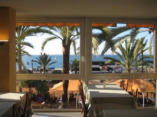 Hotel Marsol : вид из ресторана для завтраков