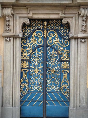 Old Town- Historic Center: Lovely entrance door to old university hall