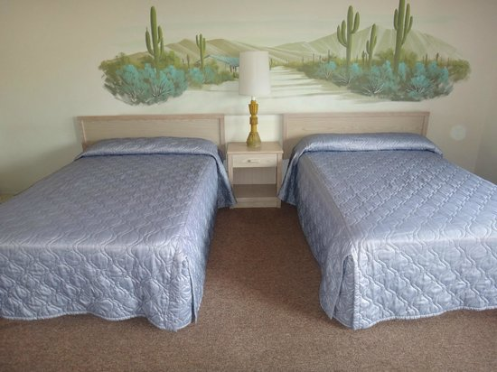 Franciscan Inn Motel : Double Room with Two Double Beds