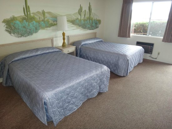 Franciscan Inn Motel: Double Room with Two Double Beds