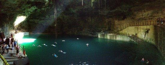 Temozon, Mexiko: the cenote