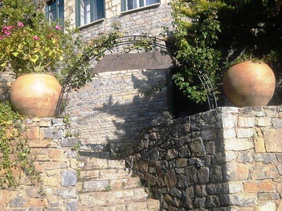 Argoulias Traditional Apartments: Entrance
