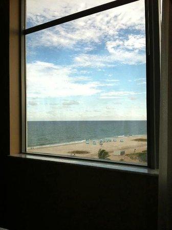 Residence Inn Fort Lauderdale Pompano Beach/Oceanfront: view from 504