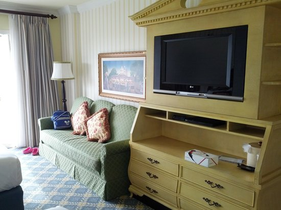 Disney's BoardWalk Inn: TV and Couch