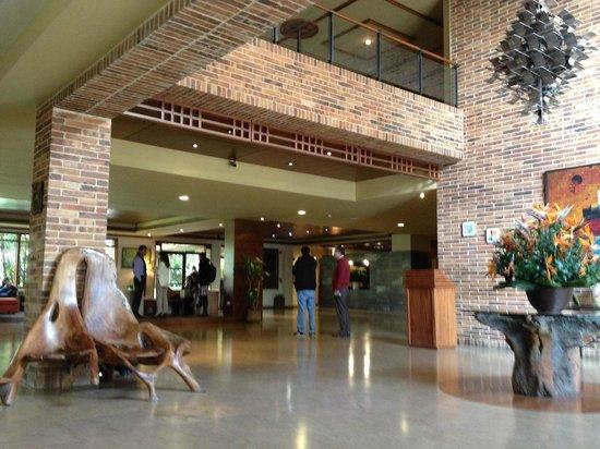 Habitel Hotel: lobby
