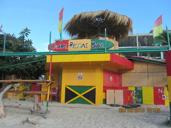 Fiesta Hotel Milord: local beach bar