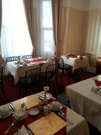 Avon Guest House: Breakfast room