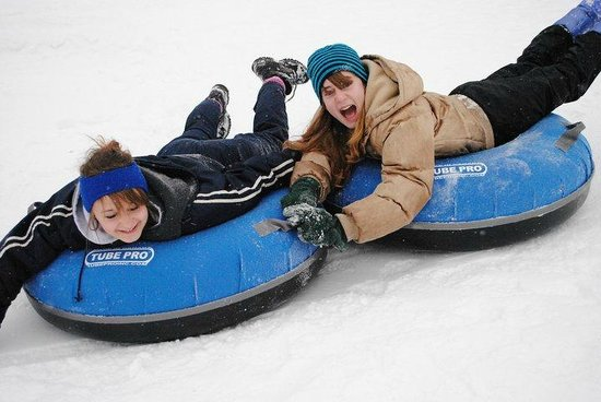 Meadville, Pensilvania: Tubing with family can be great fun!!!