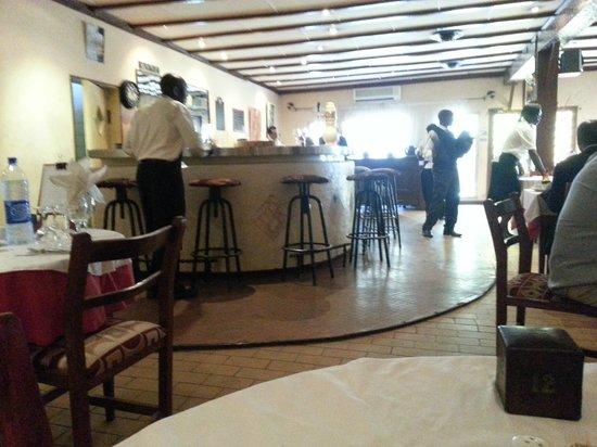 La terrasse pour le soir et coin pizza photo de le central n 39 djamena tripadvisor - Bar le central ...
