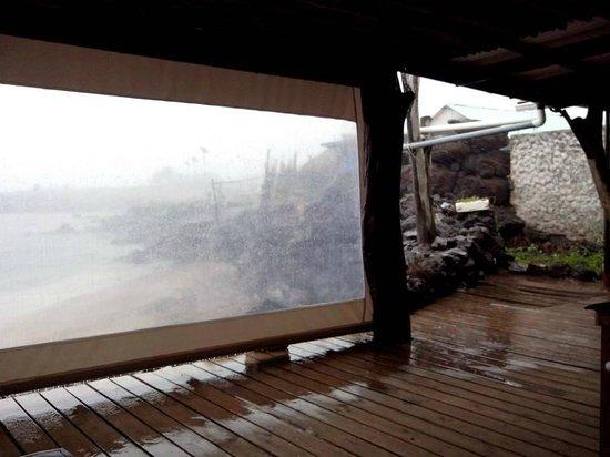 La Kaleta: local das mesas e visual (desconte o dia chuvoso)