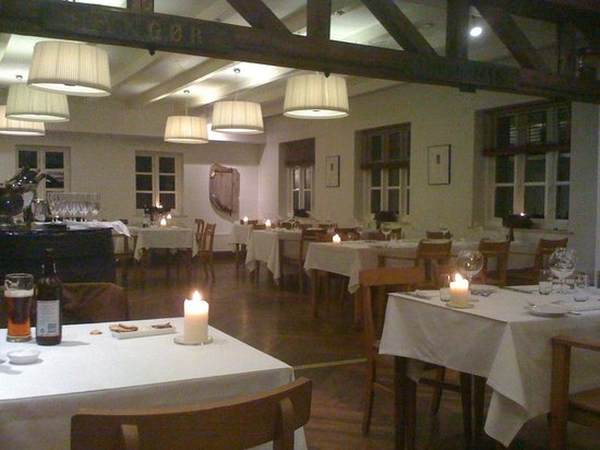Norsminde Kro: La salle de la brasserie