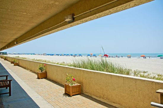 Sands Beach Club Resort: Beach view