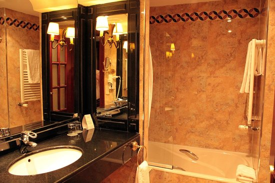 Melia Zaragoza: Bathroom pic 1