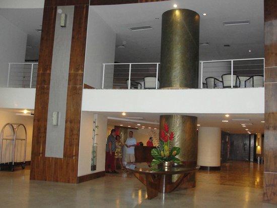 Hotel Oásis Atlântico Imperial: Hall de entrada