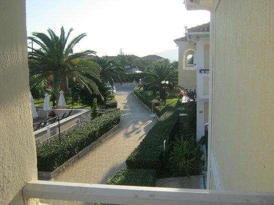 Marelen Hotel: view from balcony towards reception