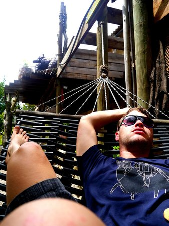 Dijembe Backpackers Hostel: Hammock time