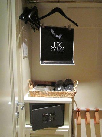 JK Place Firenze : closet