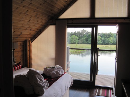 Redewater Lakeside Lodges: View from bedroom