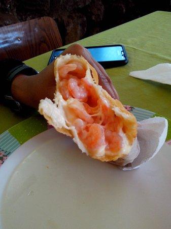 Empanadas Tia Berta : Empanada de Camarão com Queijo