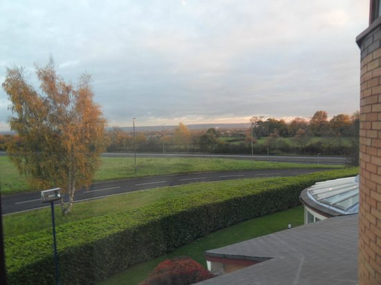 Hallmark Hotel Derby Mickleover Court: There are full nets