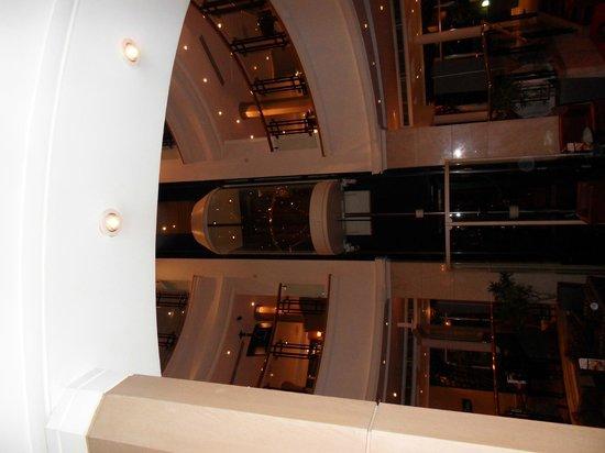 Hallmark Hotel Derby Mickleover Court : fun lift