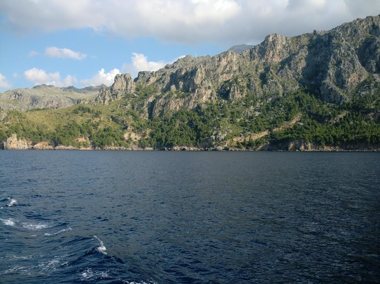 Sa Calobra : sierra de tramuntana from sea